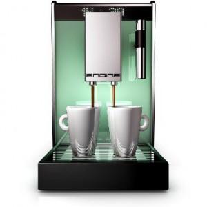 Frischer Kaffee aus dem Kaffeevollautomat